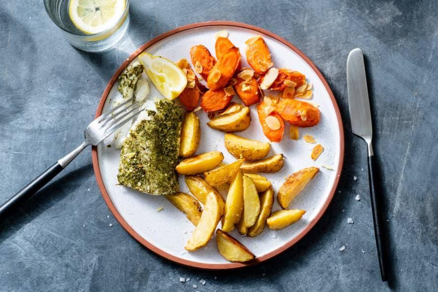 Kabeljauw met geroosterde winterpeen & aardappeltjes.