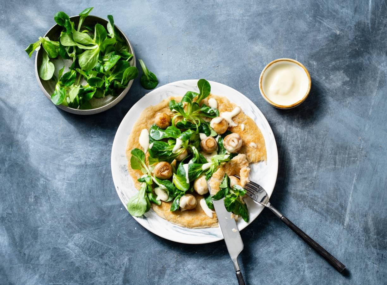 Vegan omelet met champignons
