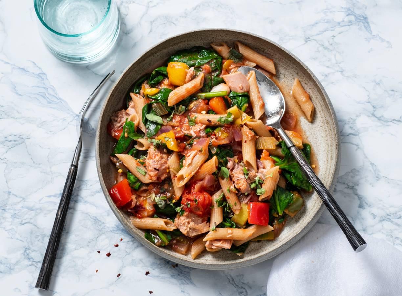 Volkorenpasta met spinazie en tonijn