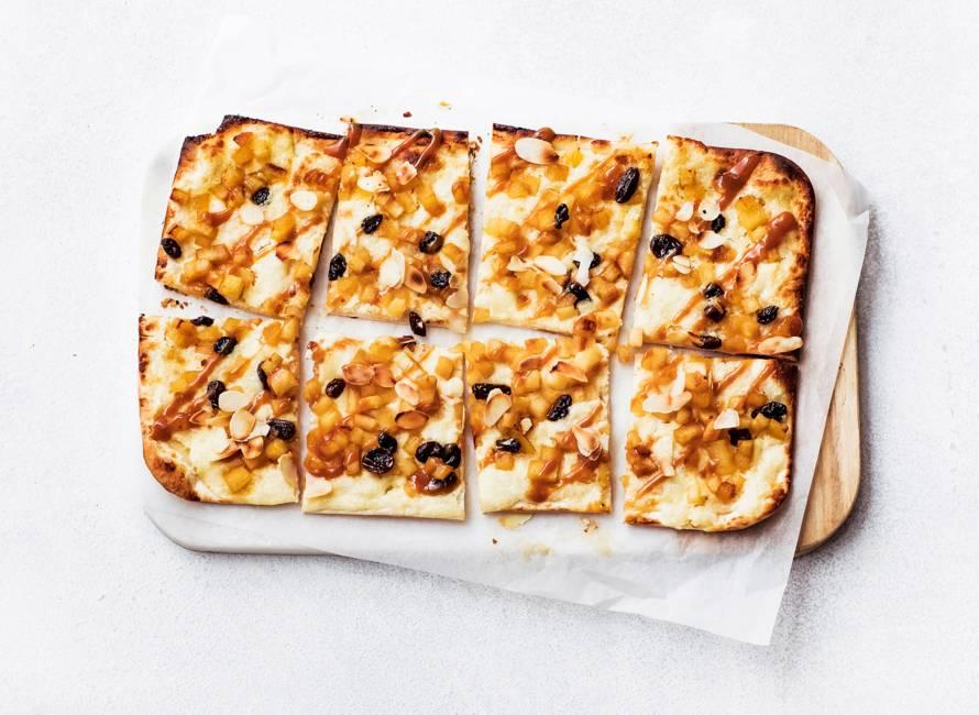 Flammkuchen met appel en amandel