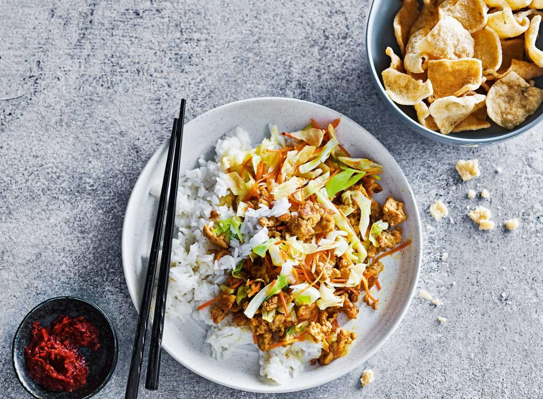 Aziatische roerbak met gekruide kip