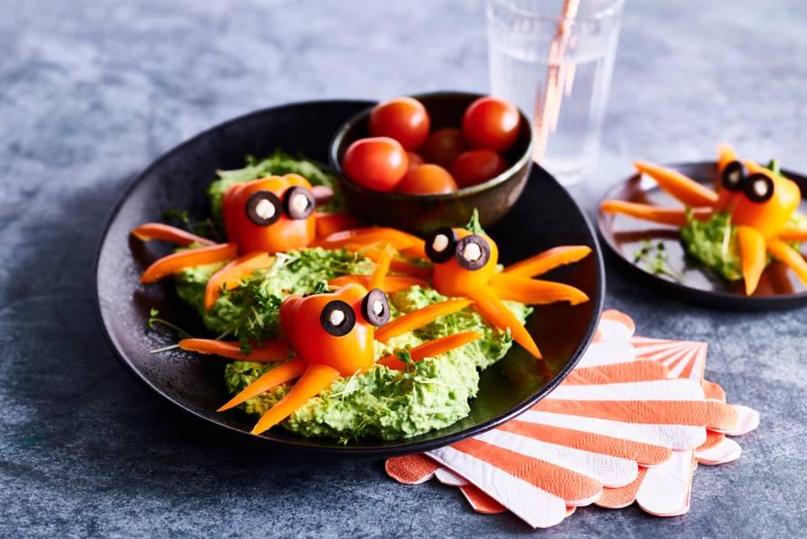 Paprikamonsters in een groentedip