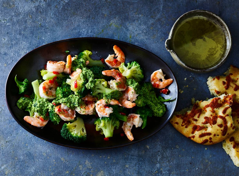 Broccoli met garnalen & amandelpesto