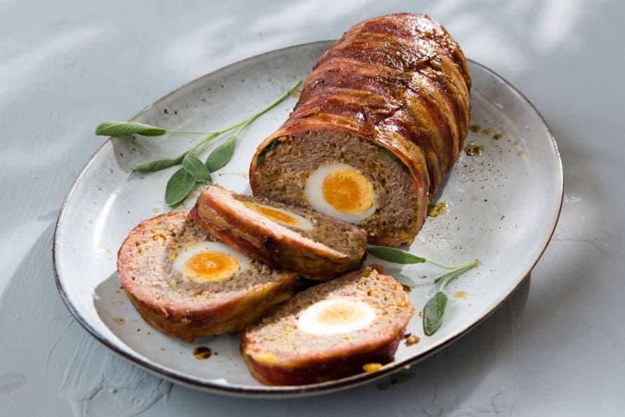 Meatloaf met verstopte eieren