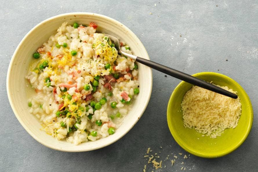 Risotto met tuinerwten, spek en ui