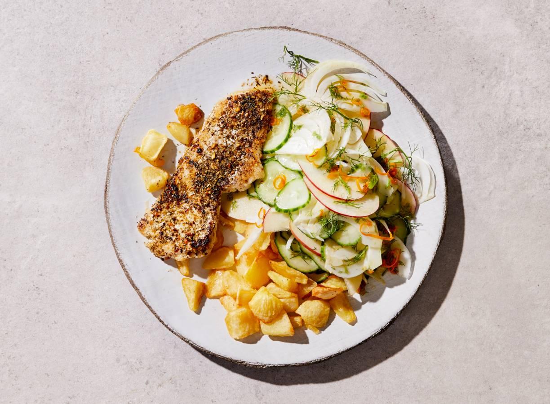 Gebakken schelvis met venkelsalade en geroosterde aardappelpartjes