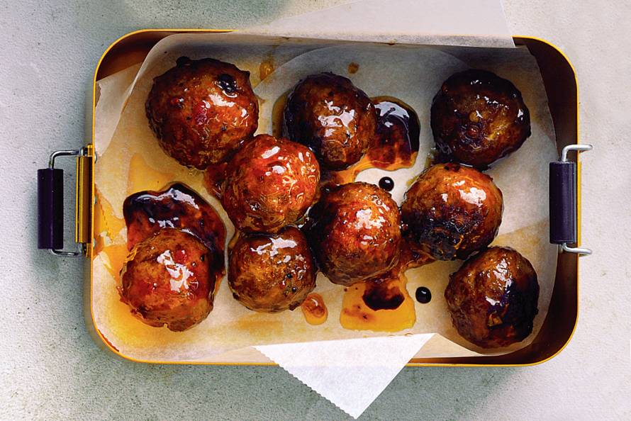 'Indische' gehaktballetjes met zoete saus
