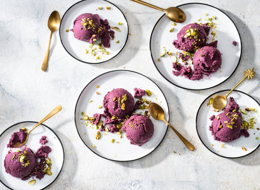 Vegan ube nicecream met pistache