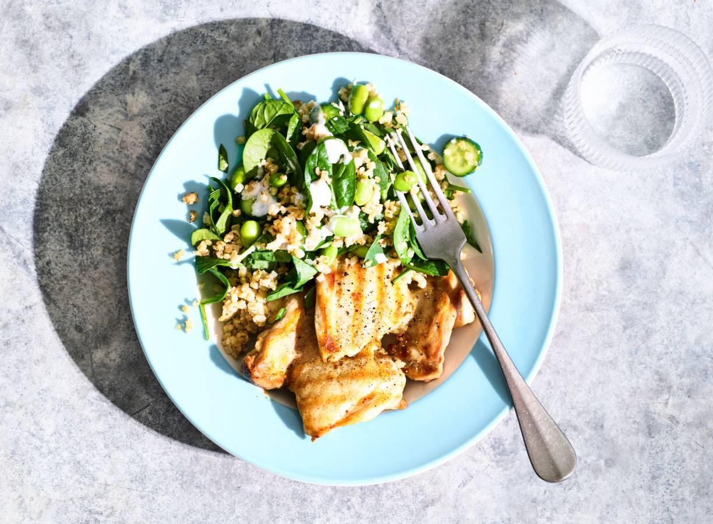 Bloemkoolrijst met groene groenten & gegrilde kip
