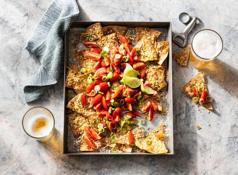 Volkorennacho's met tomatensalsa en 30+ kaas