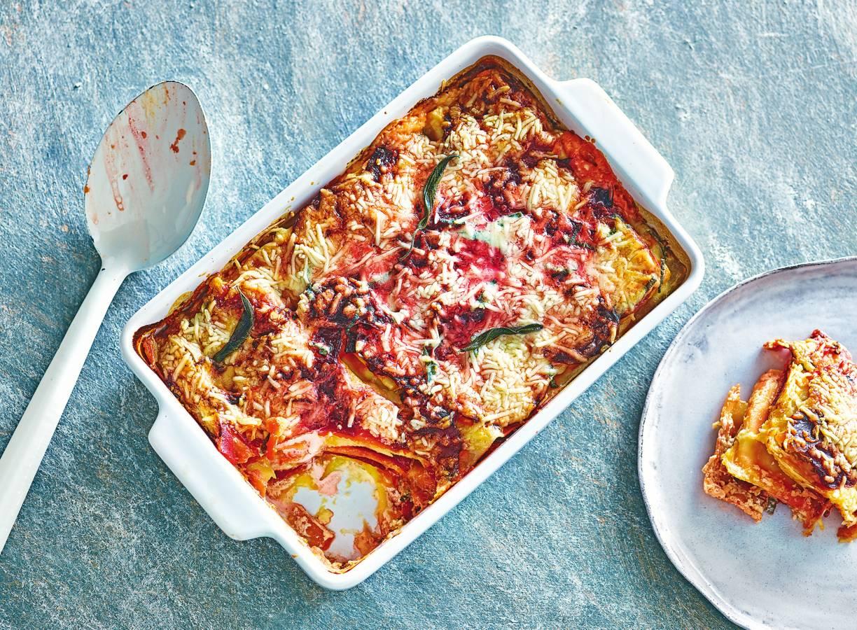 Lasagne van pompoen met rode biet, mascarpone & geitenkaas