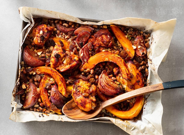 Geroosterde pompoen met kipdijfilet en bonen