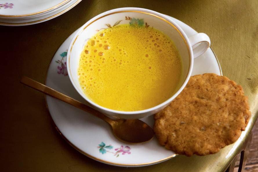 Kurkuma latte (golden milk)