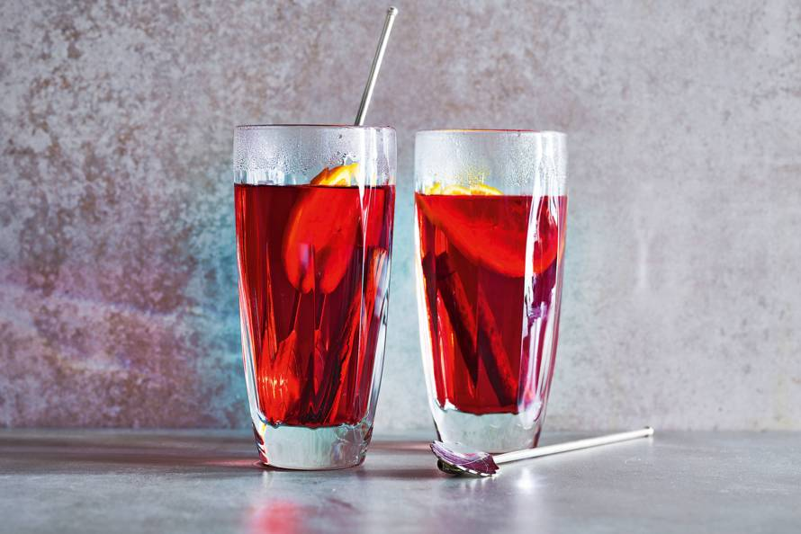 Warm herfstdrankje met cranberry, kaneel & sinaasappel