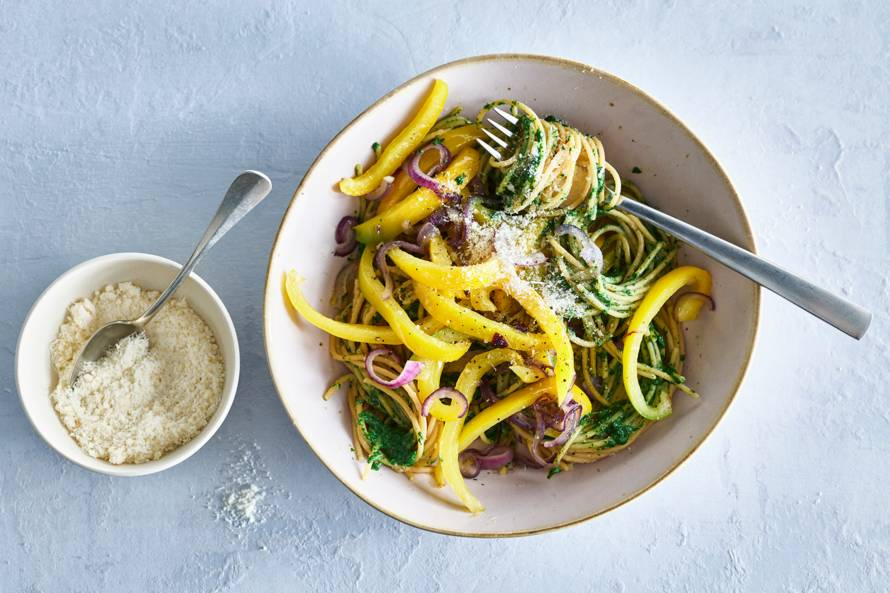 Linzenspaghetti met paprika & spinazie