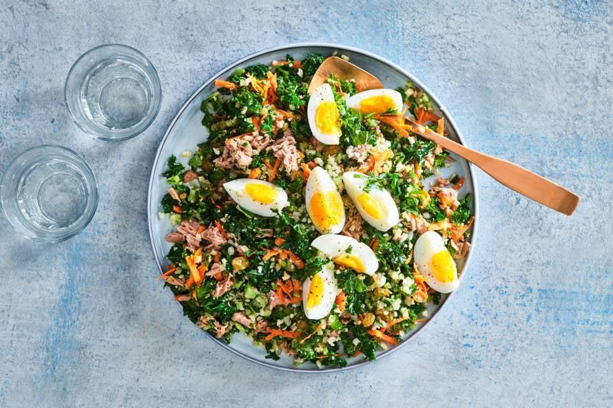 Tabouleh met boerenkool, tonijn & gekookt ei