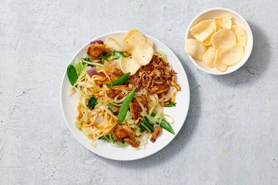 Bami goreng met vegetarische Kipstuckjes