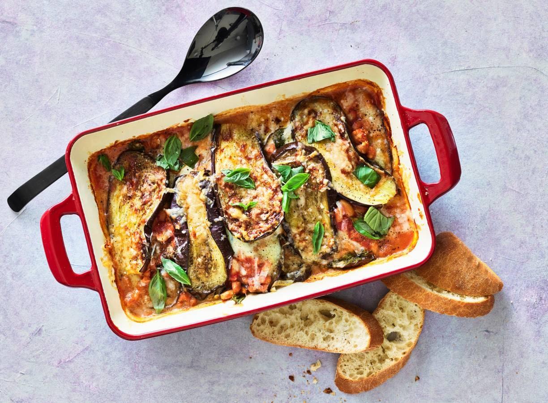 Ovenschotel  met aubergine en witte bonen