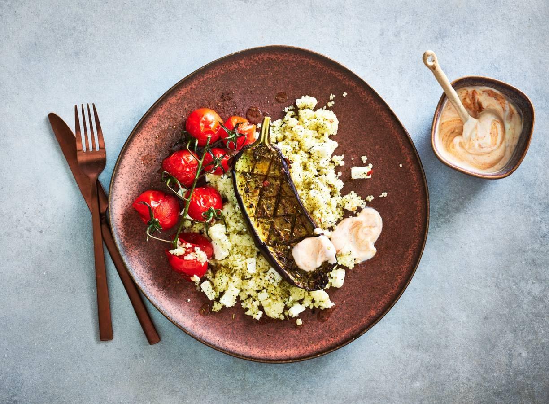 Geroosterde aubergine met feta en couscous