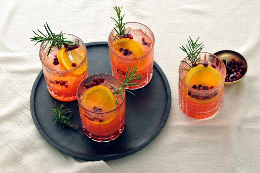 Cranberry-gingerale mocktail met sinaasappel