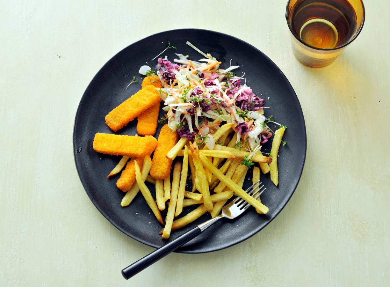 Vegan Fish Free sticks met ovenfriet & coleslaw