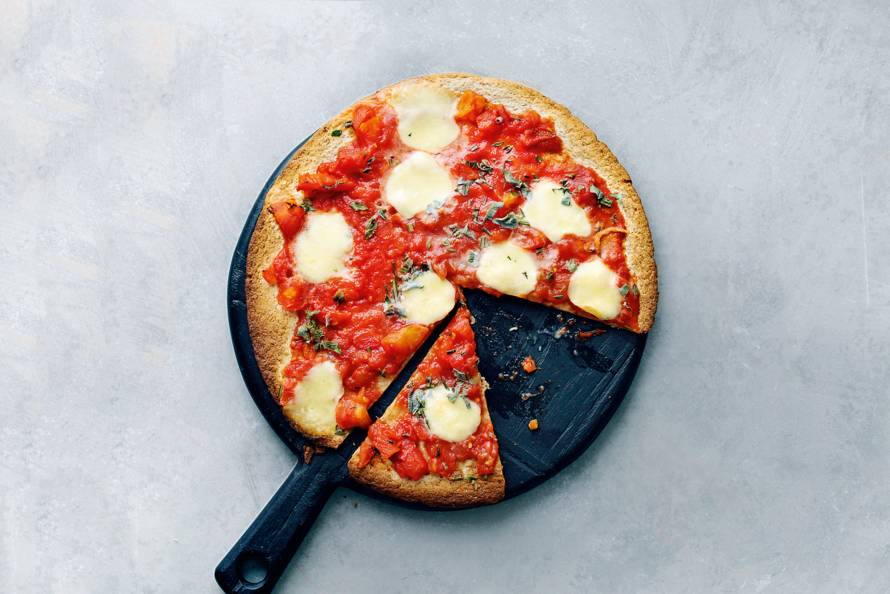 Tortillapizza met mini-mozzarella