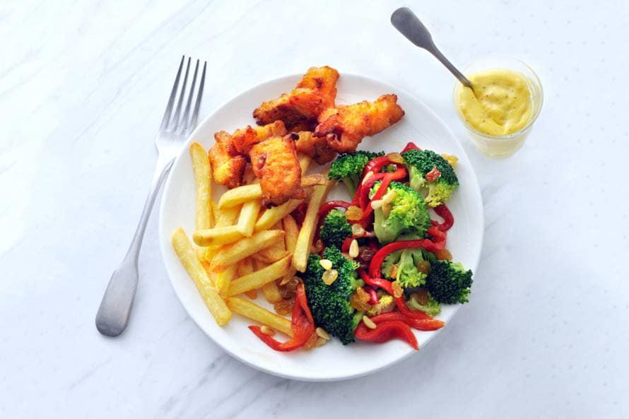 Broccolisalade met kibbeling