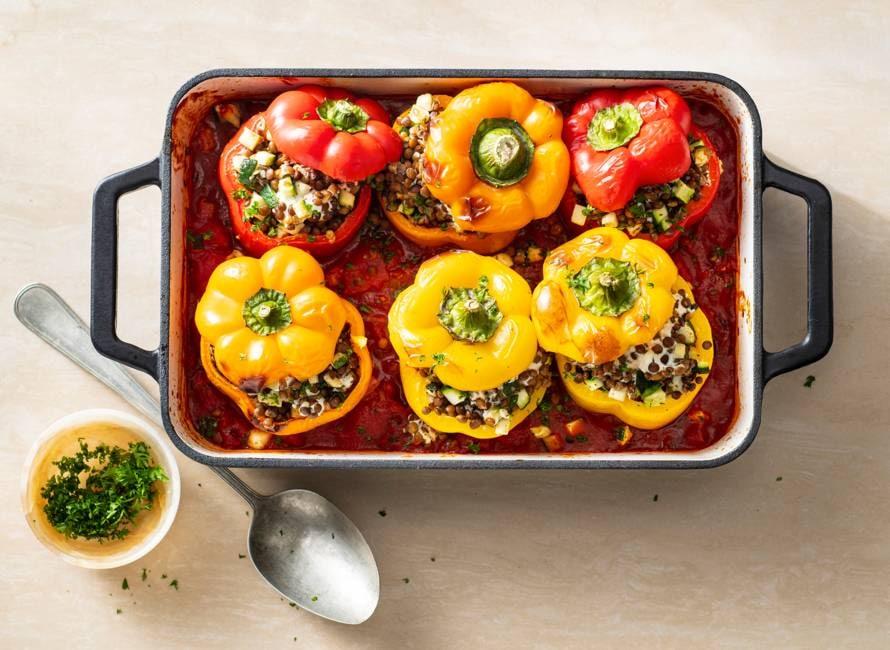 Geroosterde mediterrane paprika's met geitenkaas en linzen