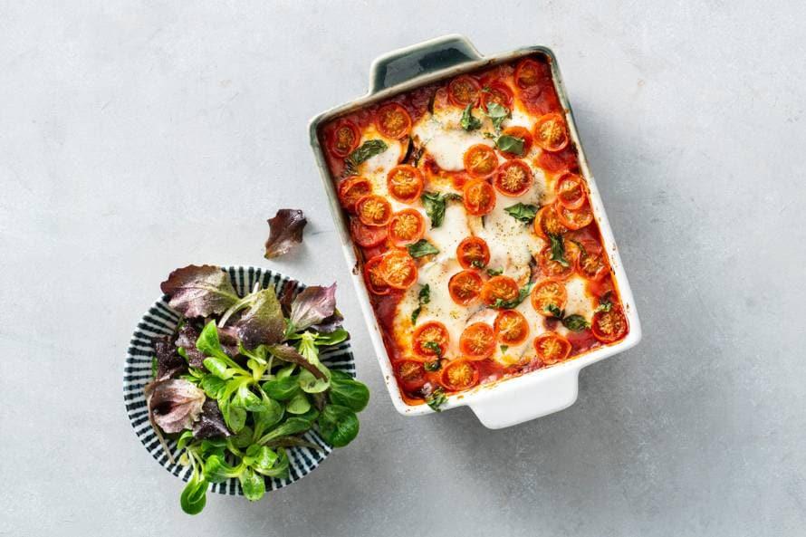 Courgetteparmigiana met geroosterde tomaatjes