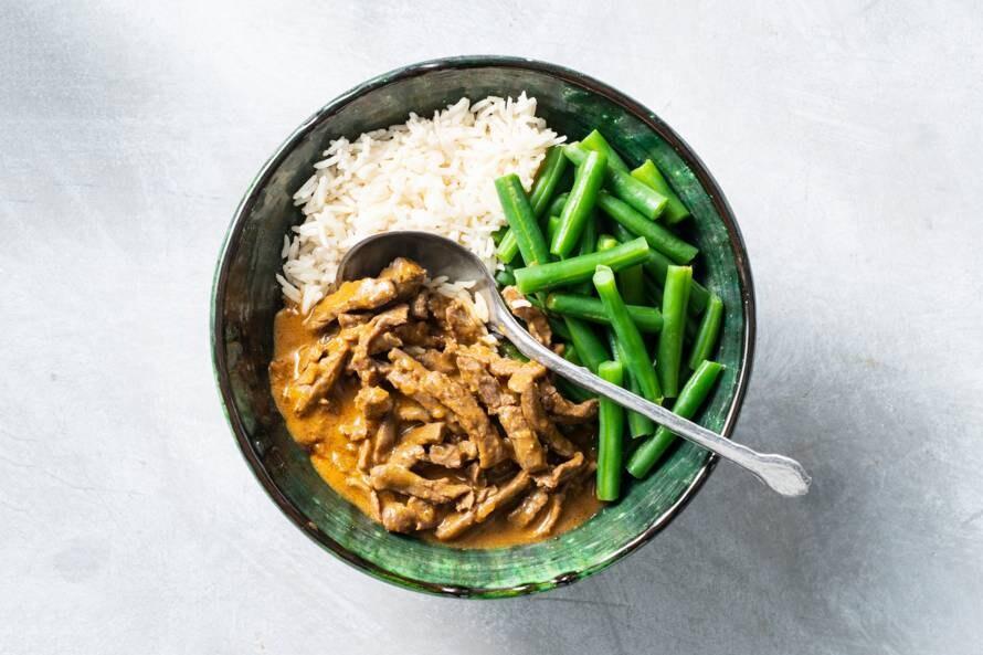 Snelle runderstoof met rijst en boontjes