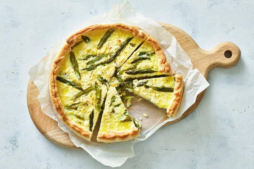 Quiche met groene asperges, bloemkool en feta