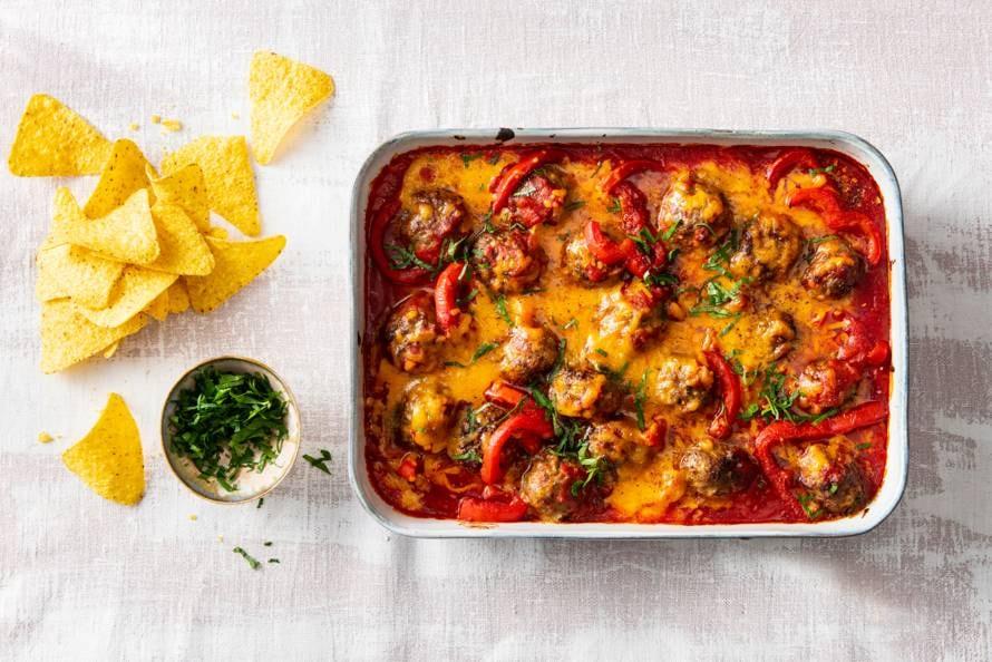 Gehaktballetjes in pittige tomatensaus uit de oven