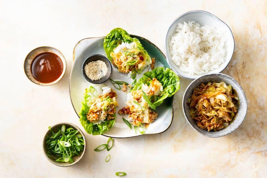 Aziatische slawraps met kip & rijst