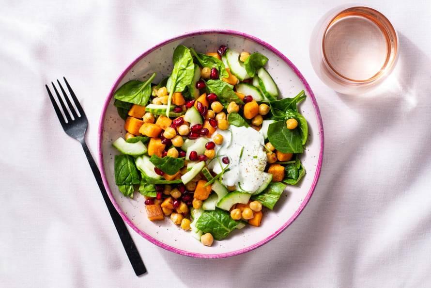Lunchbowl met kikkererwten & limoen-yoghurtdressing