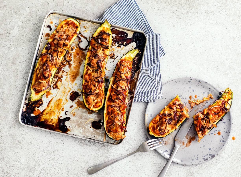 Glutenvrije gevulde courgette met pizzatopping
