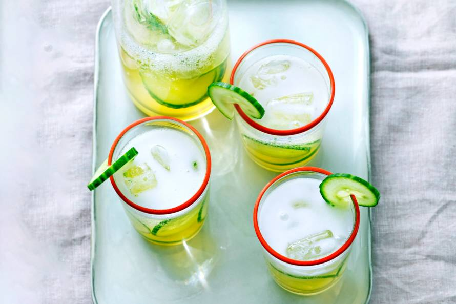 Limoen-muntlimonade met komkommer
