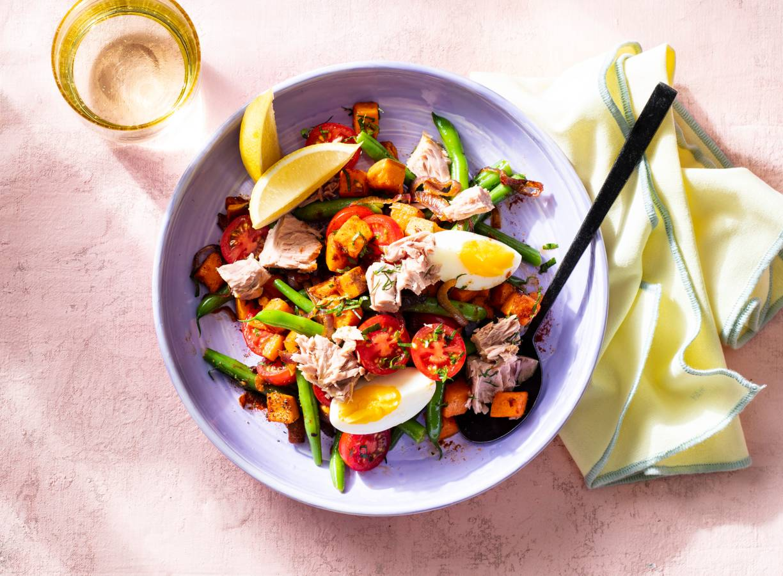 Zoete-aardappelschotel met tonijn en sperziebonen