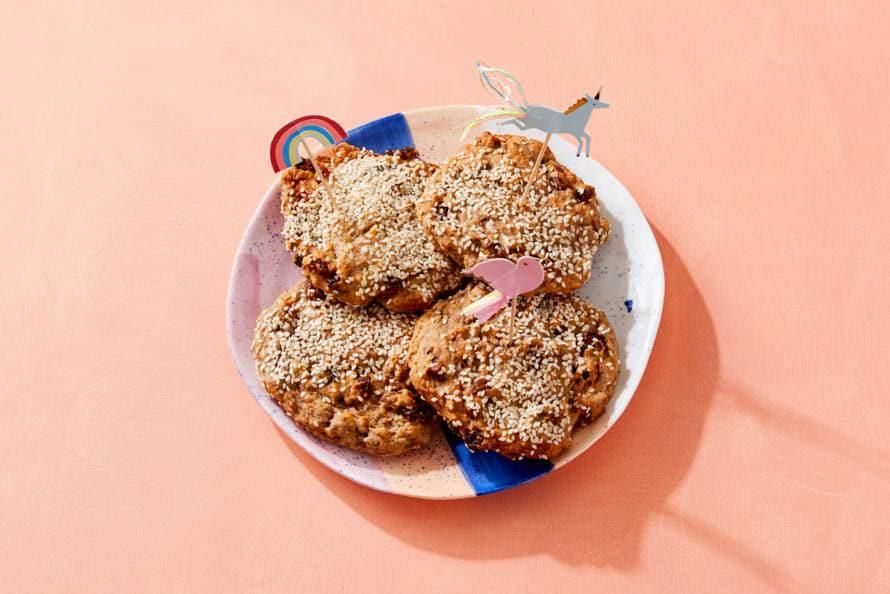 Gezonde koekjes met banaan, rozijnen en kaneel