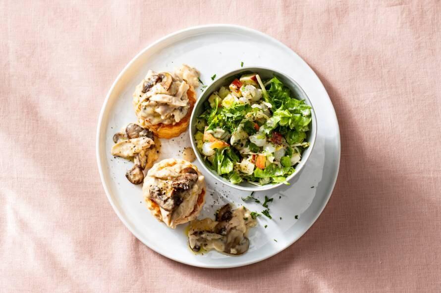 Pasteitje kipragout met frisse salade