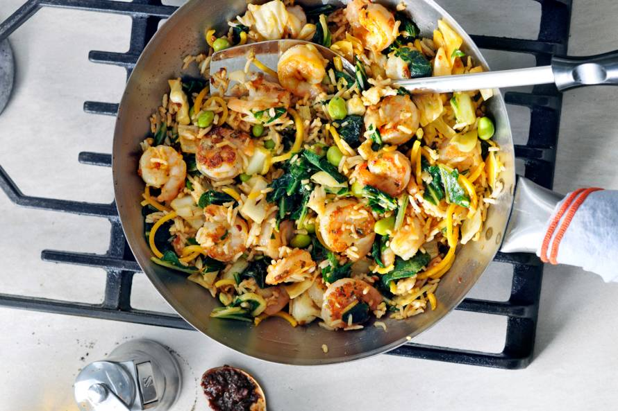 Wokschotel met garnalen en sambal