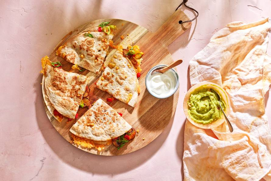 Quesadilla's met paprika, kaas en champignons