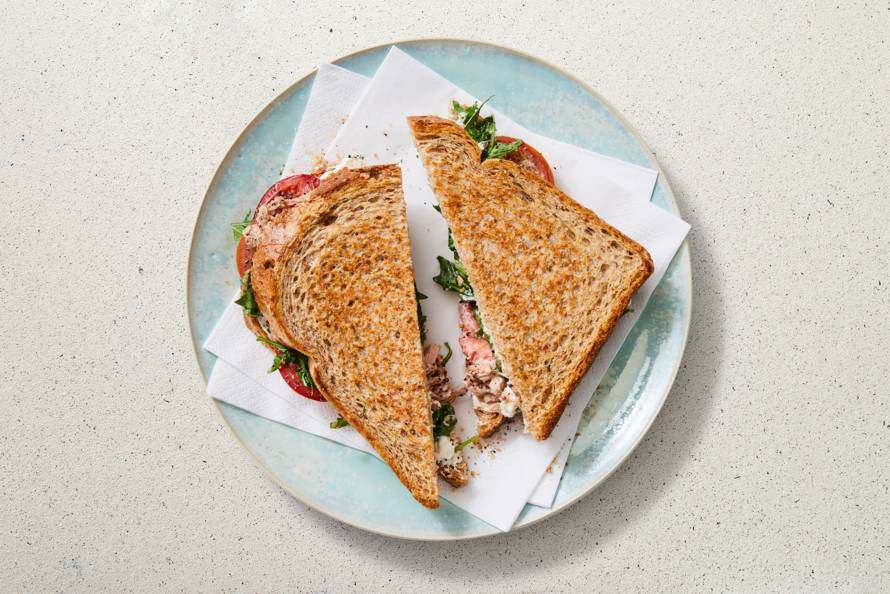 Tosti tonijn met tomaat en rucola