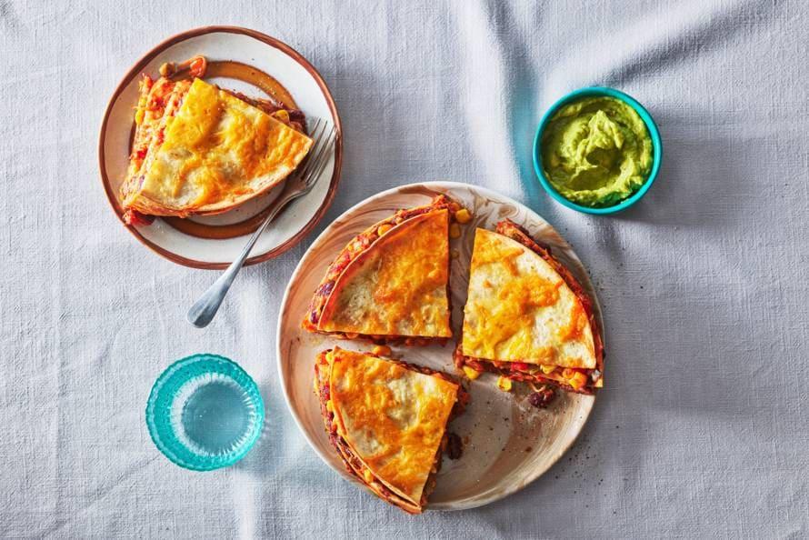 Tortillataart met kidneybonen chili