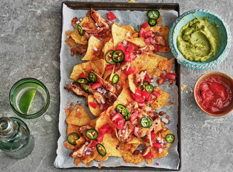 Nachoschotel kip en guacamole