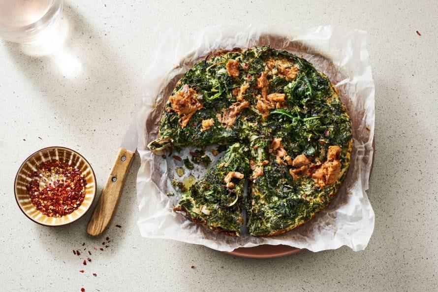 Spinazietaart met boerenkool, ricotta en tonijn