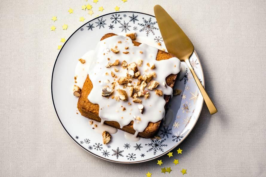 Cake met cantuccini en amarettoglazuur