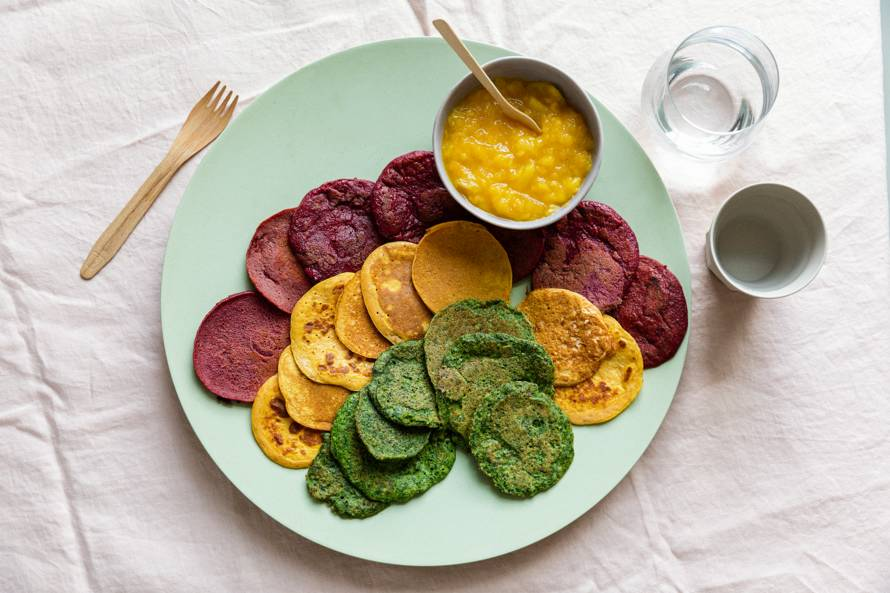 Groentepannenkoeken in regenboogkleuren