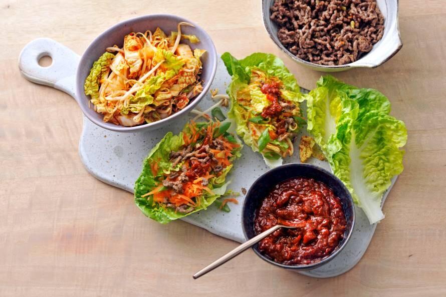 Sla-wraps met rundvlees en Chinese kool