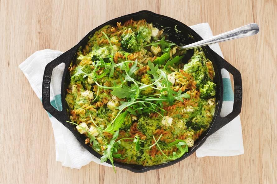Ovenschotel met volkorenpasta, broccoli en witte kaas