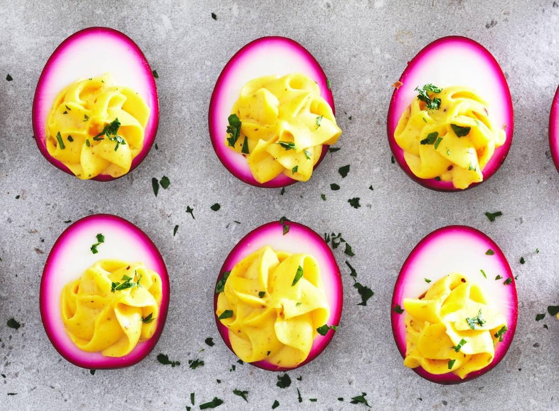 Roze gevulde eieren